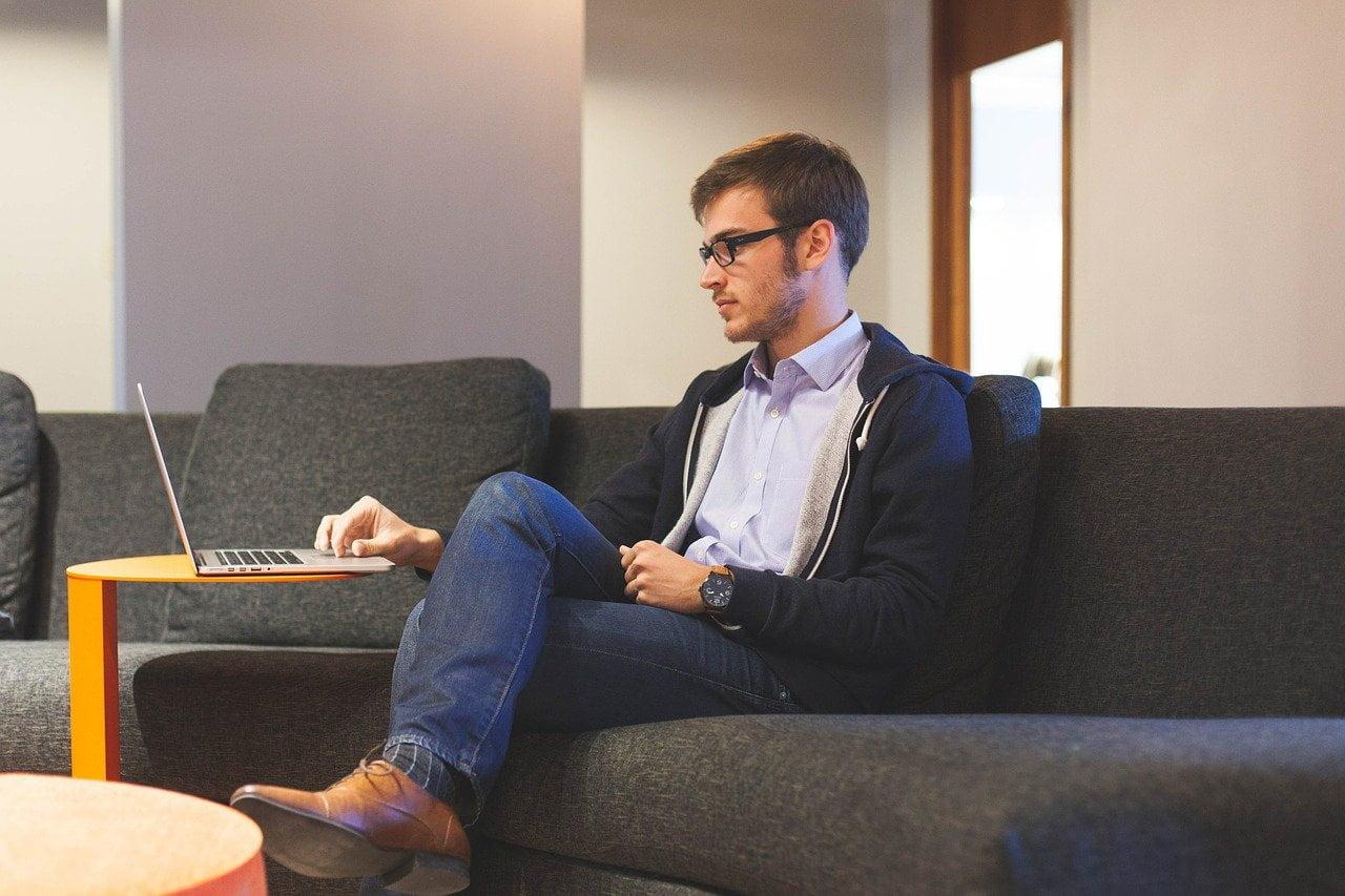 entrepreneur, start-up, man-593371.jpg